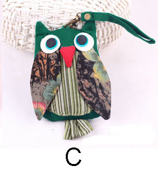green-owl-purse