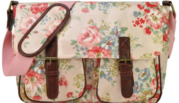 Pink - Showy Flowers Pattern Oilcloth Bag With Front Pockets