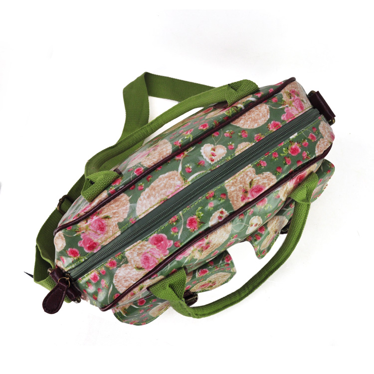 GREEN-HEARTS-FLOWERS-OILCLOTH-TRAVELBAGS9