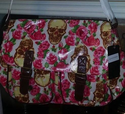 white-skull-pink-roses-satchel-messengerbags