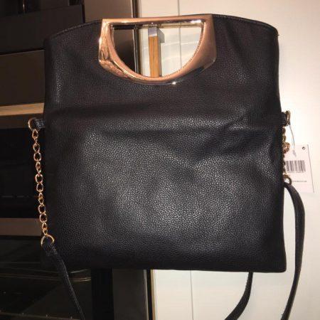 black-bag-gold chain